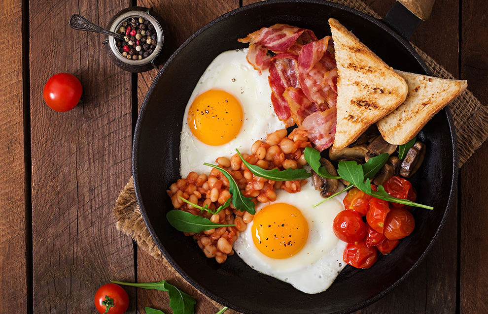 Полезный завтрак, богатый белками и углеводами