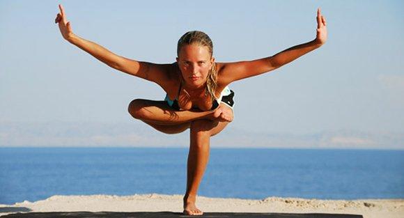 Поза йоги для развития равновесия