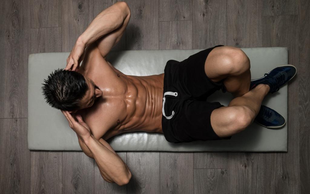 Накачать верхние мышцы пресса мужчине