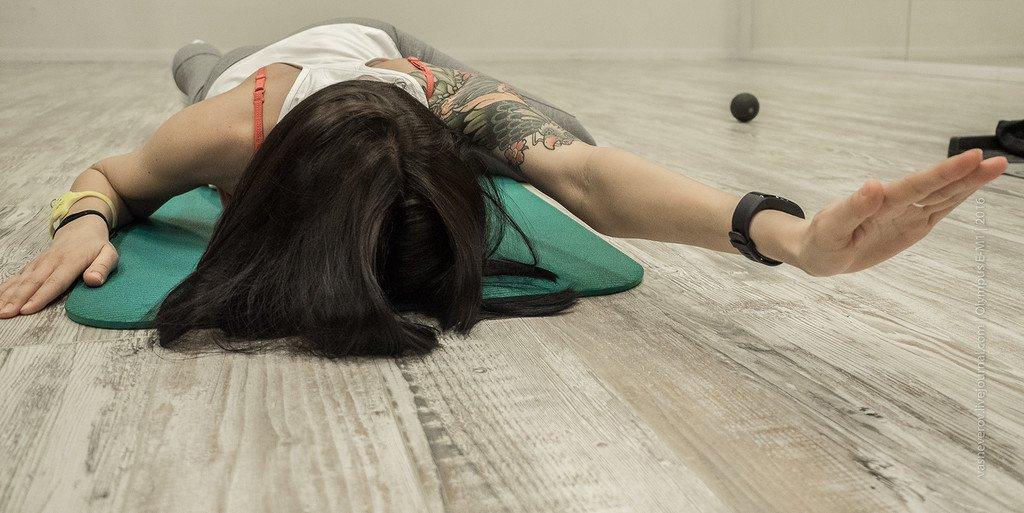 Персональная тренировка с инструктором фитнес-клуба «Манго» для мышц спины